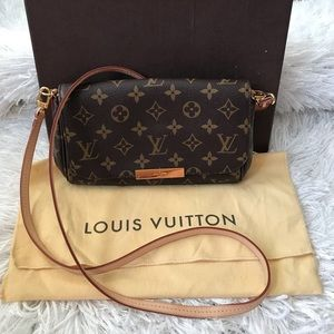 Louis Vuitton purse 👛